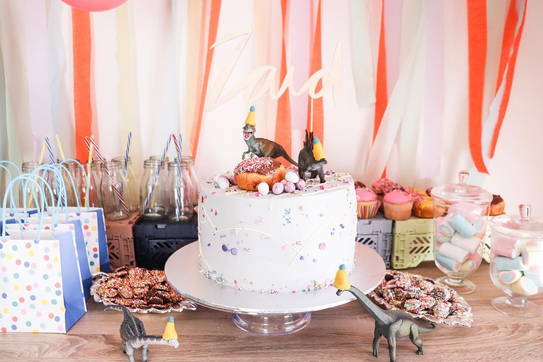 Get Creative With Captivating Cake Toppers Minizoo Blog Minizoo